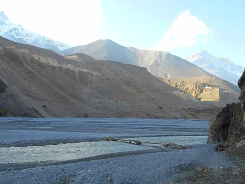 Winter bridge from Keg Beni to Tiri across the Kali Gandaki